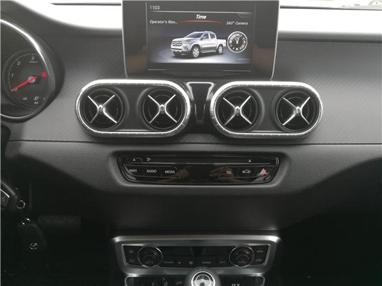 国内能买到的奔驰皮卡,2019款奔驰X250D柴油超级高端皮卡车型