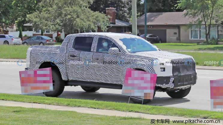 全新福特Ranger Raptor皮卡谍照曝光,新车将于2023年发布
