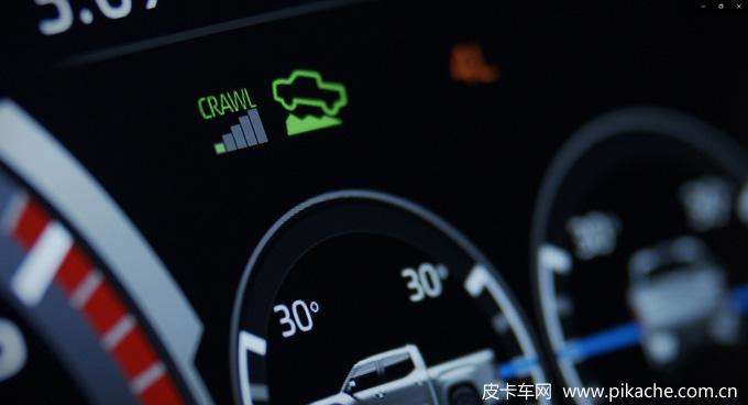 全新丰田坦途皮卡更多信息曝光,具备无线充电、蠕行模式等功能