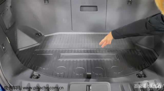专家评福特F150纯电皮卡:前备箱实用性超想象,后悬挂像坦克悬挂