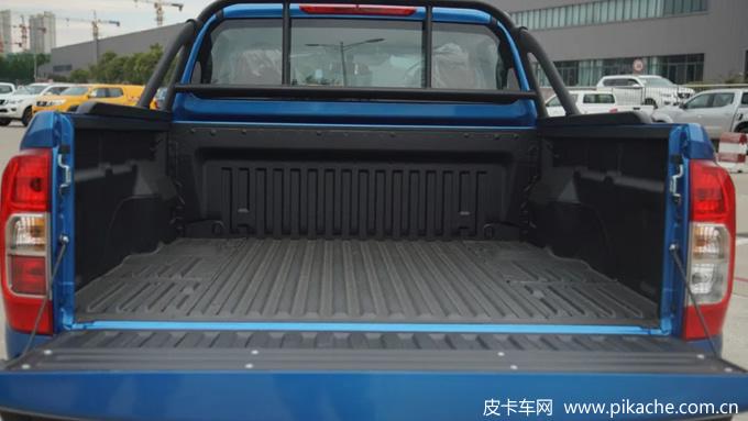 郑州日产锐骐6皮卡平箱版上市,销售价格10.68万起
