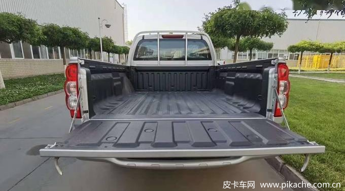 The Great Wall pickup Wingle 5 flat bottom container version was officially launched